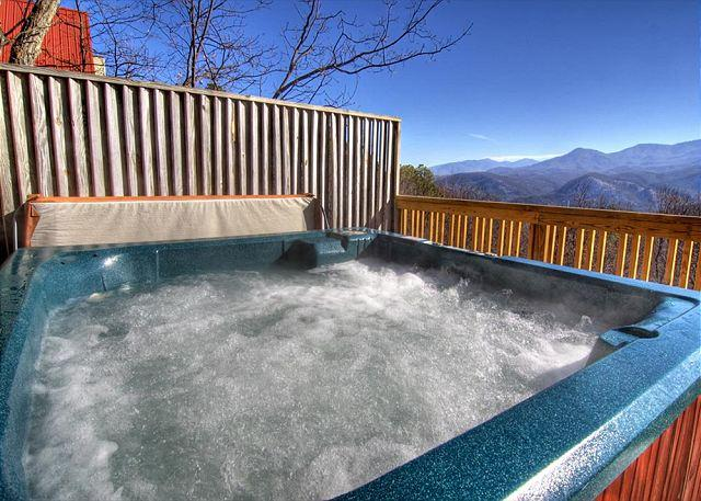 Relaxing Hot Tub and View - Smoky Mountain Cabin Fox on the Run 278 - Gatlinburg - rentals
