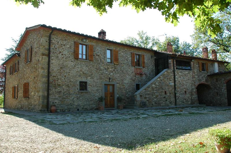 Caminetto - Farmhouse with a Pool, Air Conditioning, and Playground - Image 1 - Arezzo - rentals