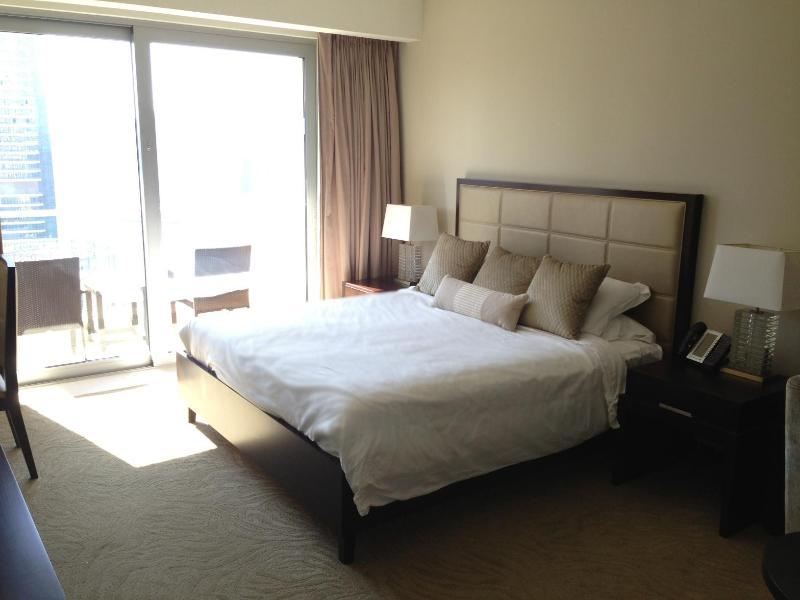Room - Bed - Balcony - Dubai Marina - Studio at 5 Star Hotel - Water View - Dubai - rentals