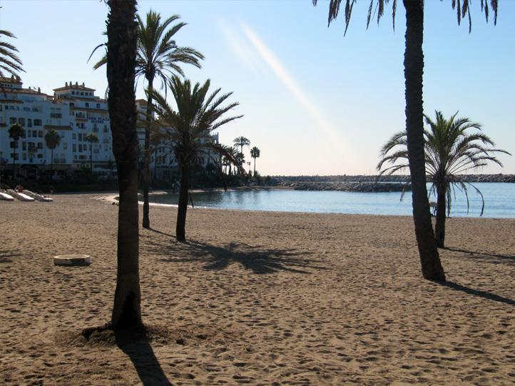 Enjoy the pleasure of early morning walks in the beach - RIGHT IN PUERTO BANUS! EXOTIC LUXE 2bed2bath APT - Puerto José Banús - rentals
