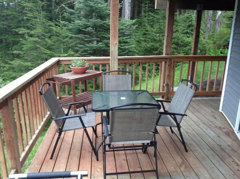 Deck and the woods - Relaxing overlook of Juneau on Blueberry Hill - Juneau - rentals