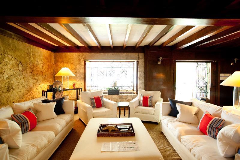 Frankfort Main House Living Room - Frankfort Villa - Savanna La Mar - rentals