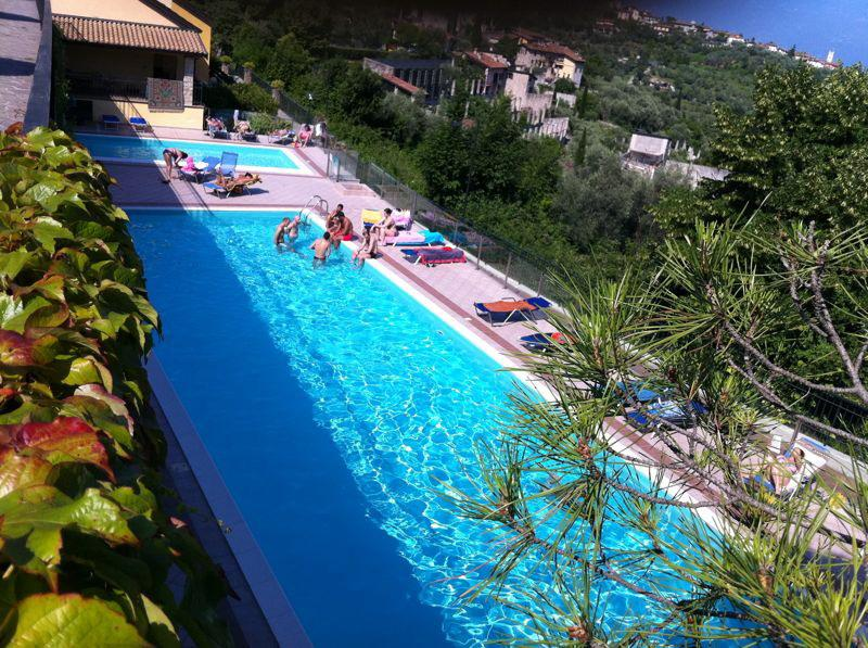 Swimming pool - Garda Lake, Residencial flat with swimming pools - Gardone Riviera - rentals