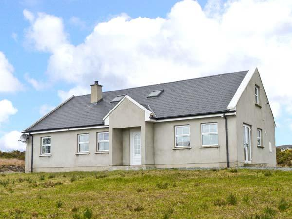 CARRICK COTTAGE, single-storey cottage, sea views, close coast, Redcastle, Moville Ref 14111 - Image 1 - Moville - rentals