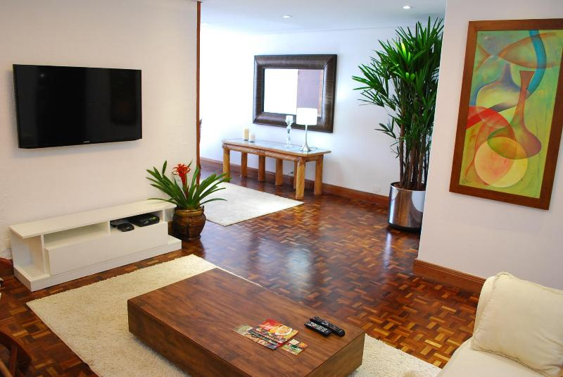 BEAUTIFUL APARTMENT IN BEST NEIGHBORHOOD IN TOWN. - Image 1 - Curitiba - rentals