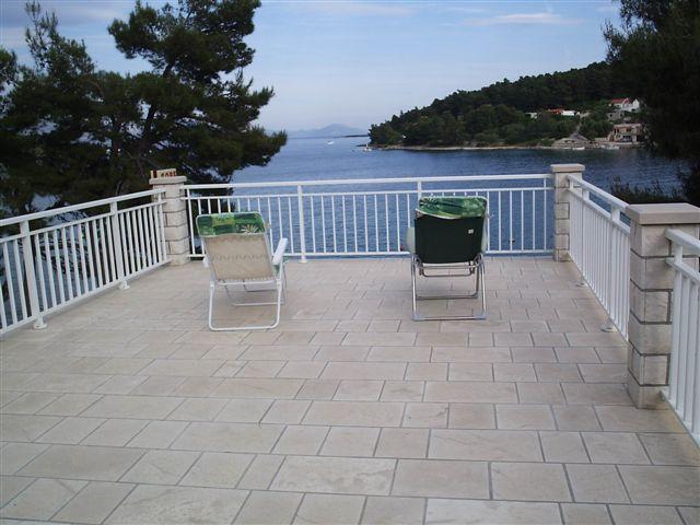 Apartment Nobilo2 near sea shore - Image 1 - Lumbarda - rentals