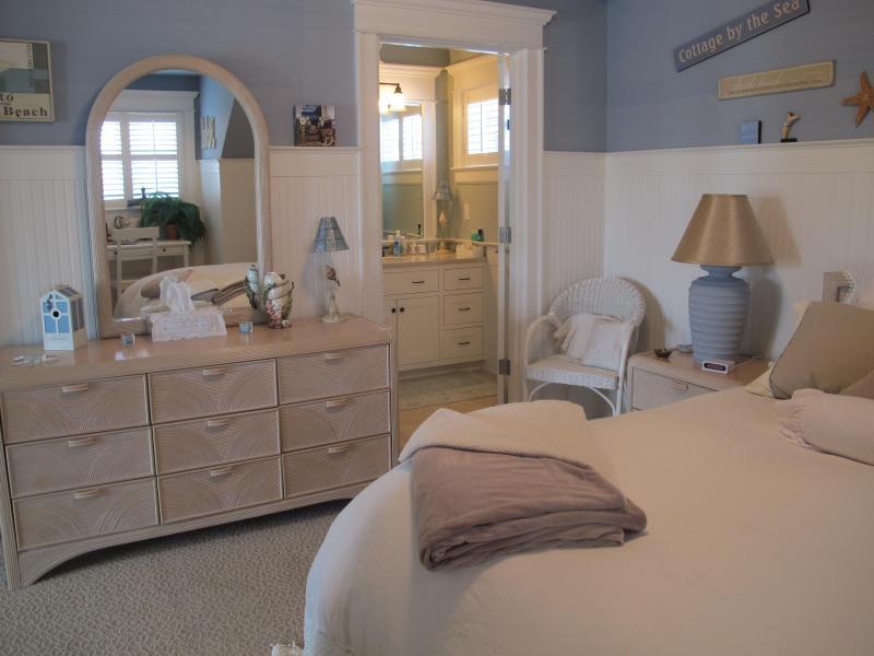bedroom leading to bathroon - Beach Front 2 room guest suite - Edmonds - rentals