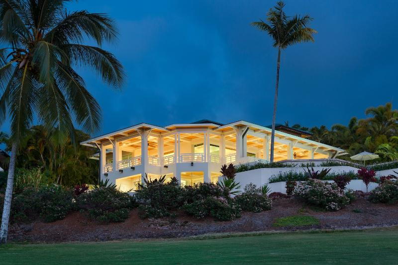 Golf Course View at Dusk - Extraordinary Vacation Rental in Kailua-Kona, HI - Kailua-Kona - rentals