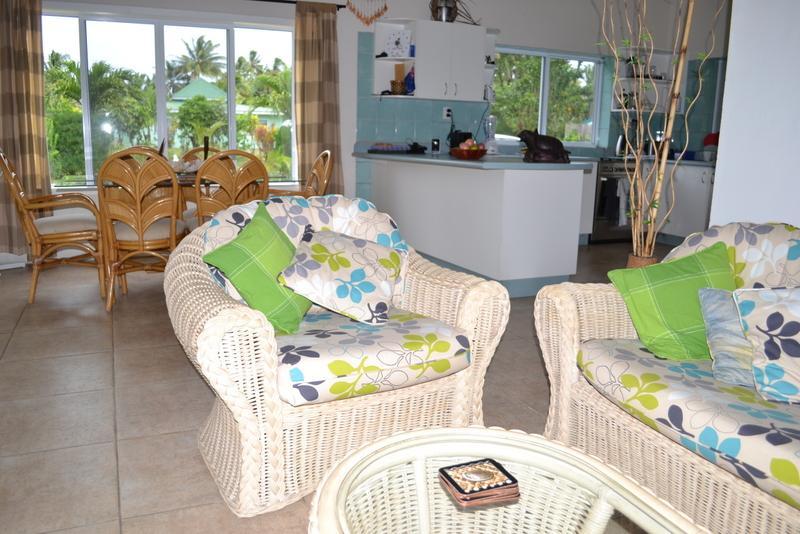 Open plan living/ dining/ kitchen - Pacific Time Holiday House Rarotonga - Arorangi - rentals