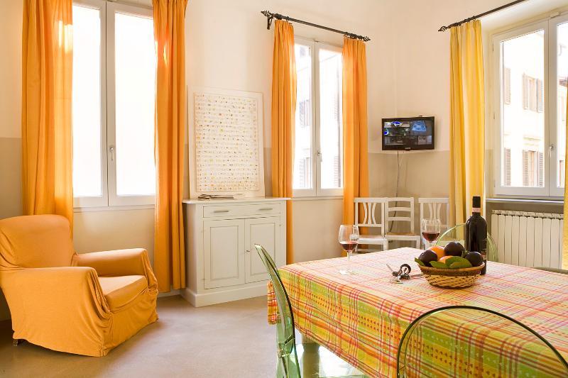 Superior 2 Bedroom Florence Vacation Rental - Image 1 - Florence - rentals