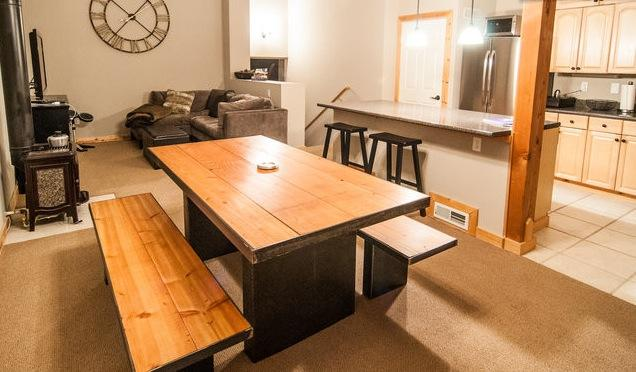 Open and cozy great room - Cozy Tahoe Donner Townhome - Truckee - rentals