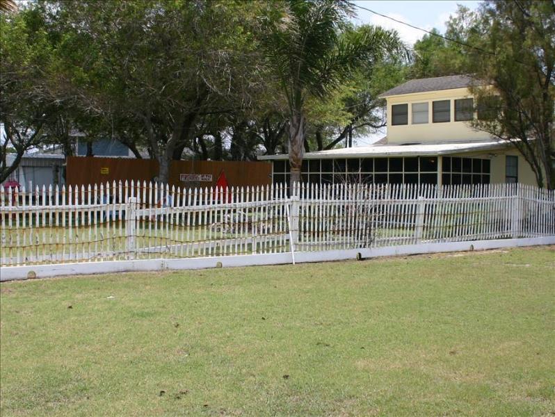Magnolia Beach Retreat - Image 1 - Port O Connor - rentals