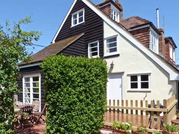5 FORGE COTTAGES, pet-friendly, character features, woodburner, in Herne, Ref. 10140 - Image 1 - Herne - rentals