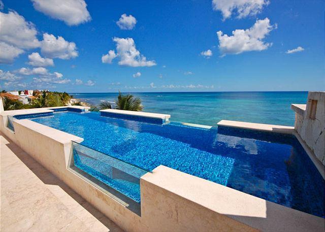 Casa Coral luxury beachfront penthouse apartment on Jade Bay, Ak - Brand new luxury beachfront condo with private swimming pool. - Felipe Carrillo Puerto - rentals