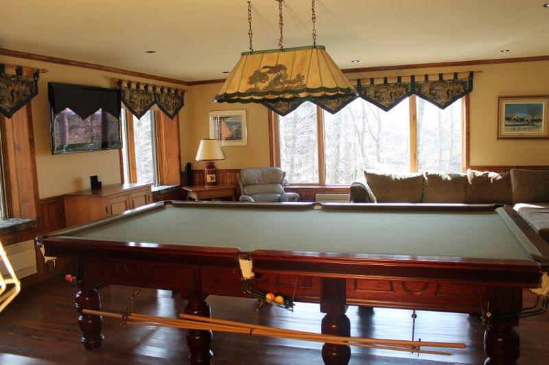 Chalet 2 Billiards Room - Golfers & Skiers Paradise in Tremblant - Mont Tremblant - rentals
