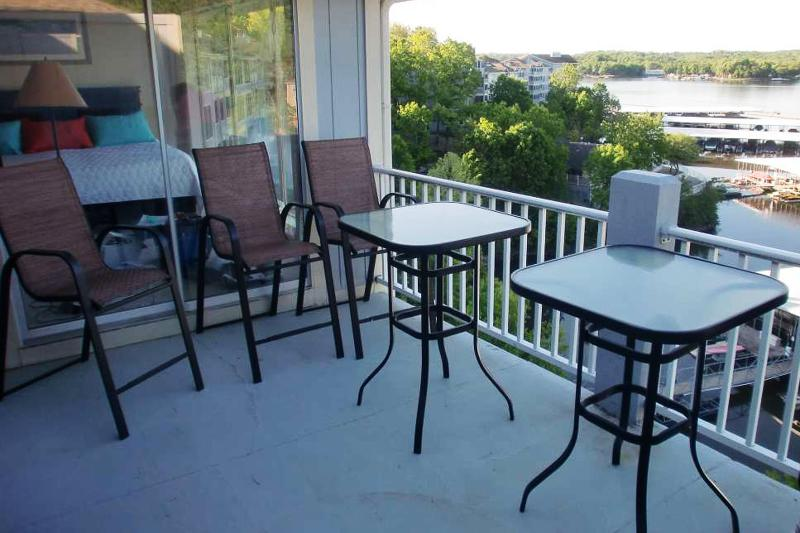 Deck Dining seats 8 - Bar height table and chairs with awesome view of water - Beautiful Regatta Bay 3 BR Penthouse Townhouse - Lake Ozark - rentals