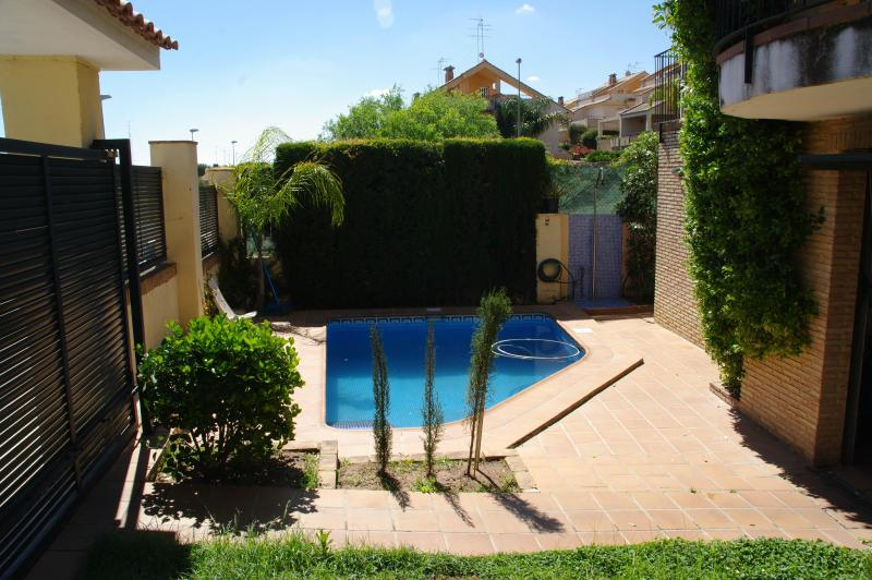 Swiming pool - Studio swimming pool, garden, near sea in Valencia - Godella - rentals