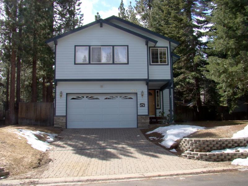 Mont Tahoe Retreat - 'Mont Tahoe Retreat' - 5 minutes from Heavenly - South Lake Tahoe - rentals