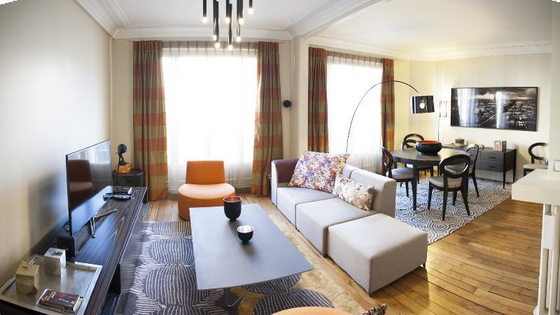 Living Room - 313152ac-a86c-11e2-985d-b8ac6f94ad6a - Paris - rentals