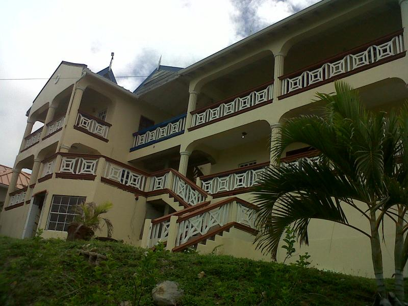 Kai Dormi Building - USD $54/night - 2 Bed Self Contained Apartment. - Dennery - rentals