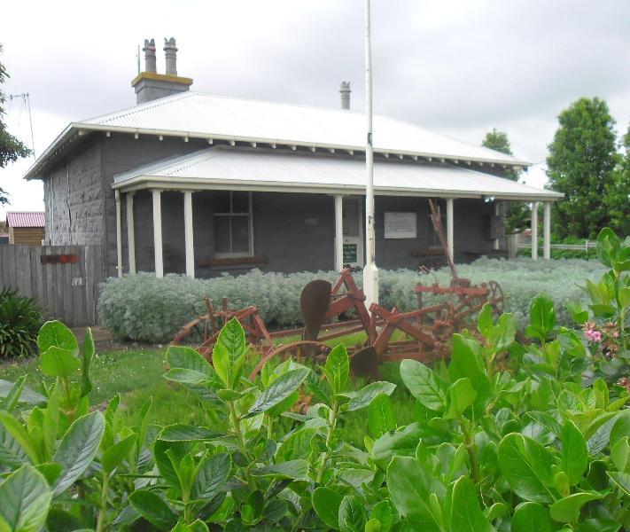 The Cop Shop Bluestone cottage C1885 - The Cop Shop Historic Police Station C1885 Koroit - Koroit - rentals