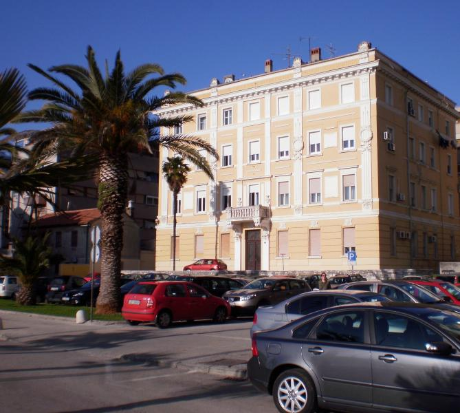 apartment with a beautiful view in the center - Image 1 - Zadar - rentals