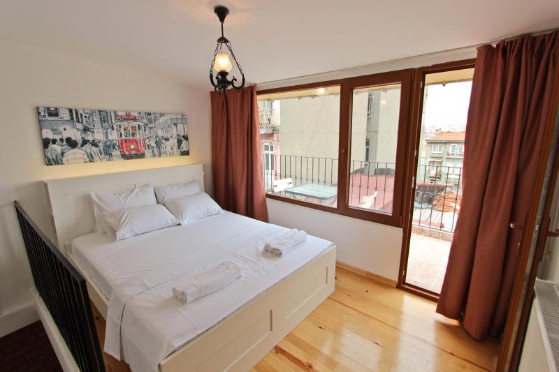 Lovely Dublex Flat with Terrace in Taksim-Beyoglu - Image 1 - Istanbul - rentals