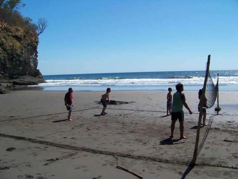 Beach Area - La Perla Beach House UNIQUE AND IN TOUCH W/ NATURE - La Libertad Department - rentals