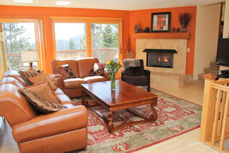 Upscale Cabin Near Heavenly Ski and S. Lake Tahoe - Image 1 - Stateline - rentals