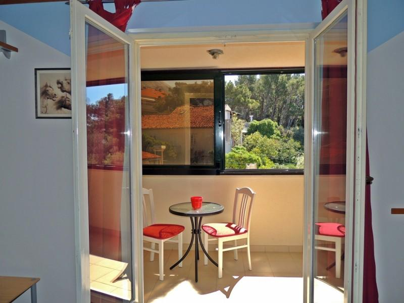 Apartment In Makarska Close To The Beach - Image 1 - Makarska - rentals