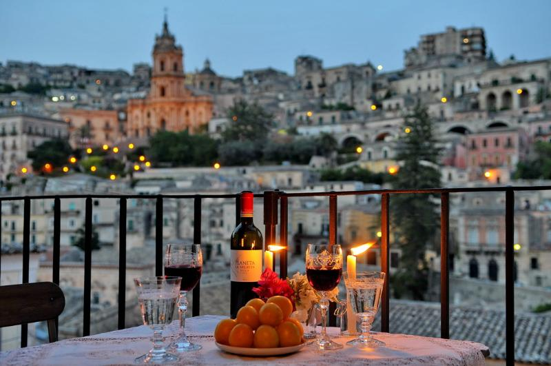Balcony view on outstanding baroque landscape - CASAORNI  - YOUR PERSONAL GLANCE UPON BAROQUE - Modica - rentals