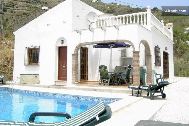 Pool area - Beautiful Villa near Competa & Almijara - Competa - rentals
