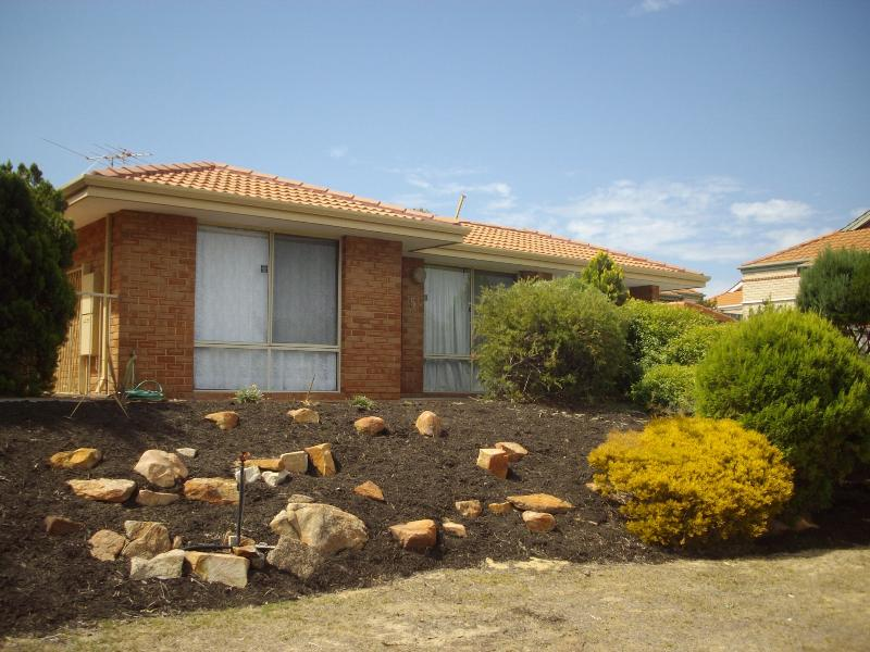 Street front - Great location in Joondalup close to public trans - Joondalup - rentals
