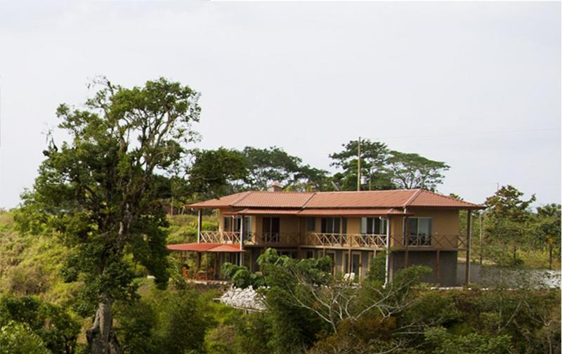 Spacious Private Mountain top Home  in waterfall - Image 1 - Jaco - rentals