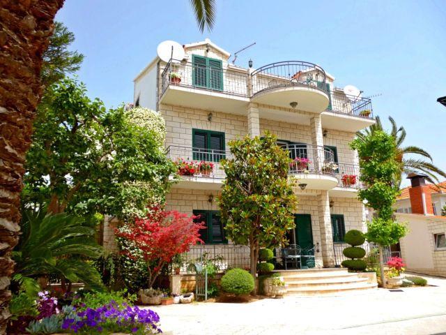 Anita Apartments - Image 1 - Trogir - rentals