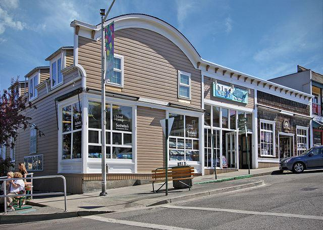 Harbor View Condo in the heart of Friday Harbor! - (Blue Water Suite) - Image 1 - San Juan Island - rentals