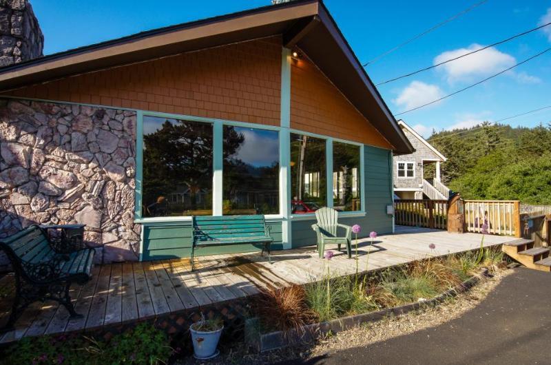 Darrs Beach Cottage - Image 1 - Neskowin - rentals
