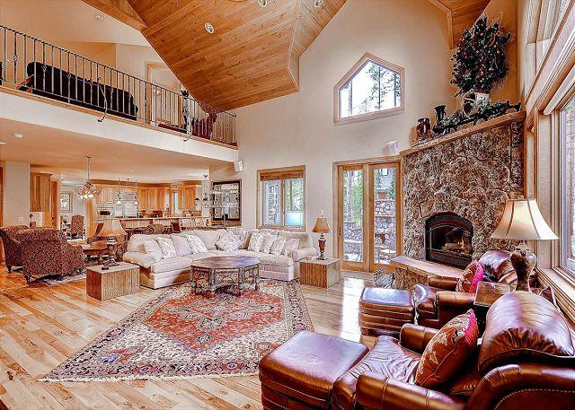 Hickory & Stone Lodge Living Area Breckenridge Lodging - Hickory and Stone Lodge Luxury Home Hot Tub Breckenridge House Rental - Breckenridge - rentals