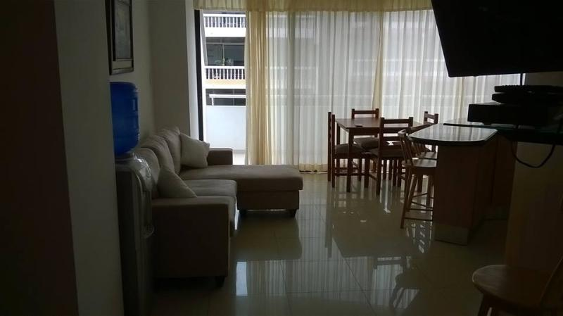 Living Area 3 - Luxury Salinas Beach Apartment - Phoenix 3B - Salinas - rentals