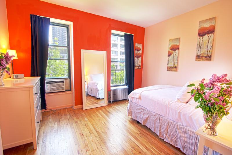 ADORABLE 1 BDRM TRENDY UPPER EAST! - Image 1 - New York City - rentals