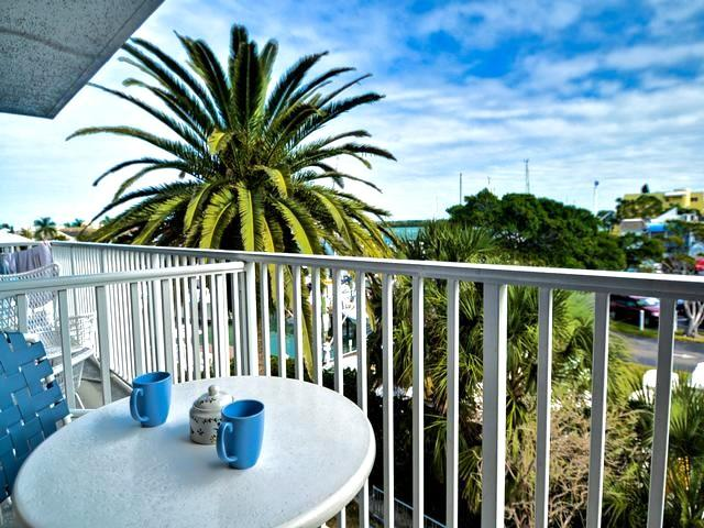 Clearwater Beach Waterfront Condo  Bayside 21 - Image 1 - Clearwater - rentals