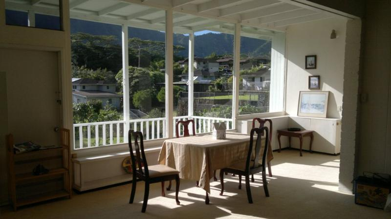 Dining room - Spacious, affordable house with lush tropical view - Honolulu - rentals