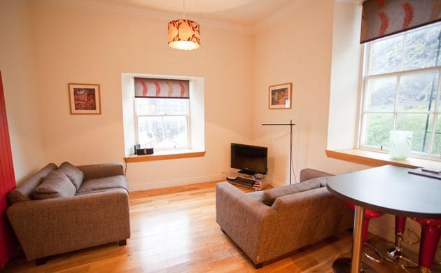 Grassmarket 2 Bedroomed Apartment - Image 1 - Edinburgh - rentals