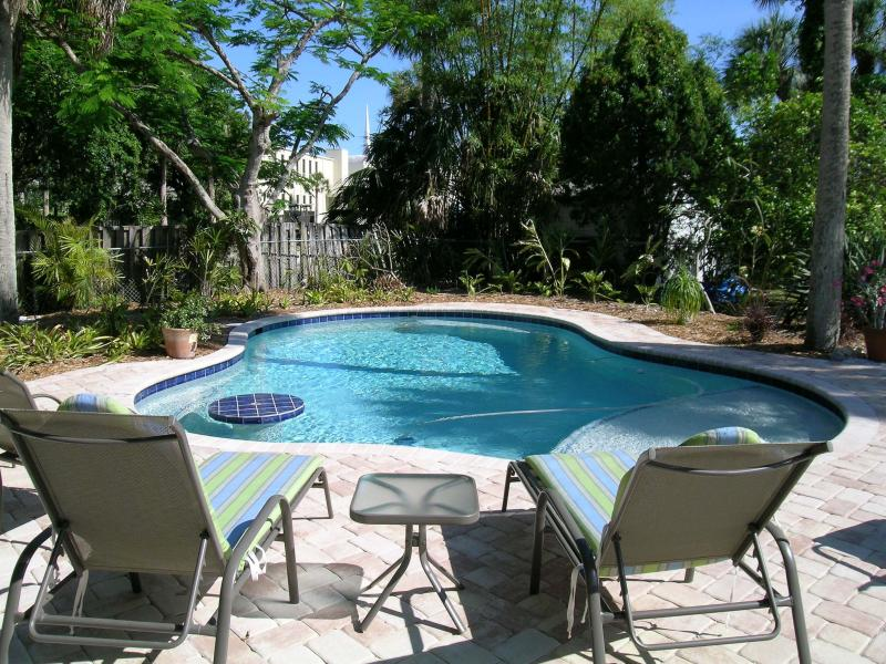 Relax by the pool - Casa Allegria - Anna Maria - rentals
