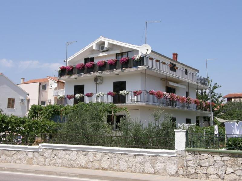 Vodice - Apartment Fila - beach nearby - Image 1 - Vodice - rentals