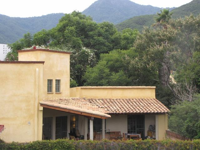 Back of house showing terrace and mountain setting - $100 off weekly house-pool nr center,Oaxaca City - Oaxaca - rentals