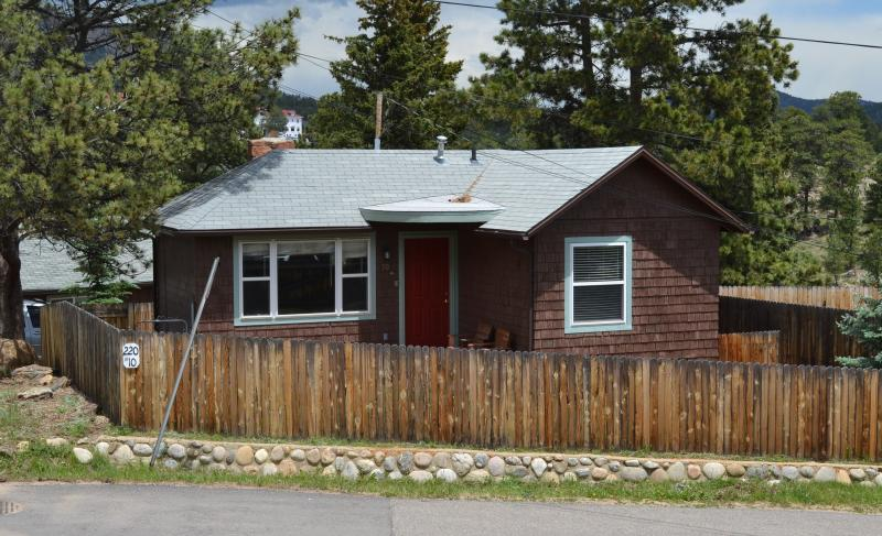 Wapiti Cottage - Wapiti Cottage.. a short block to downtown - Estes Park - rentals