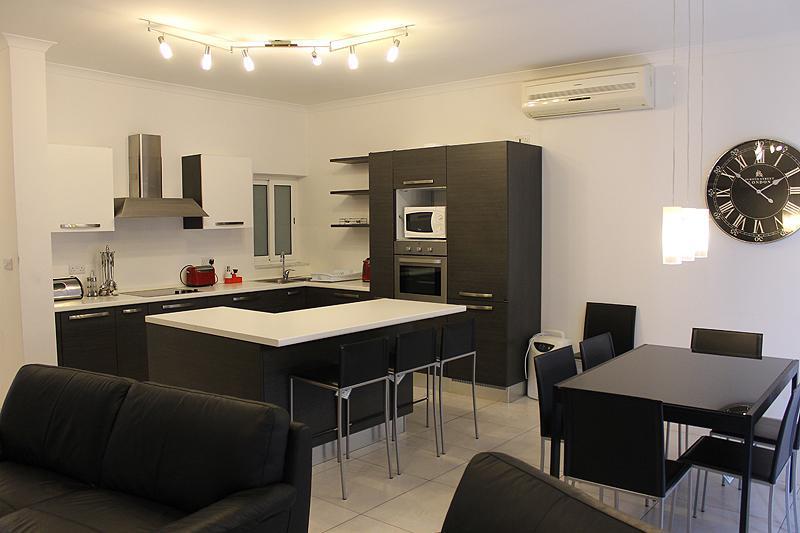 Modern 3 Bedroom A/C Side Seawiew Apt FREE Wifi L3 - Image 1 - Sliema - rentals