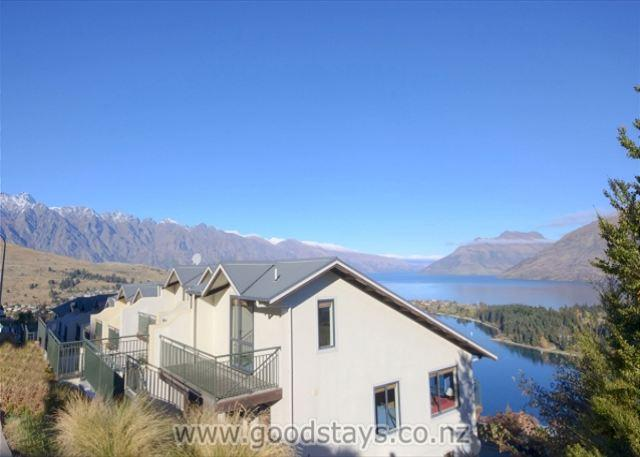 Edinburgh Drive No.2 - Image 1 - Queenstown - rentals