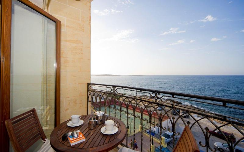 Tea ? coffee / Liquers or Wine and a platter - Ascot Seafront Apartment, St. Paul's Bay, Malta - Saint Paul's Bay - rentals